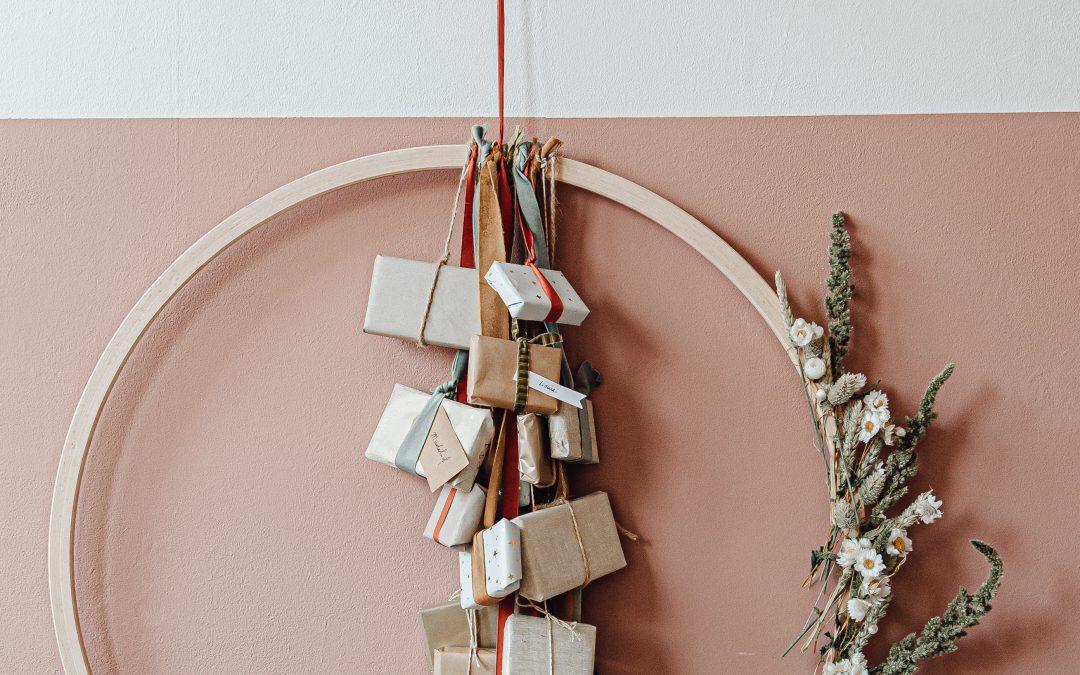 Zelf maken: Adventskalender met droogbloemen